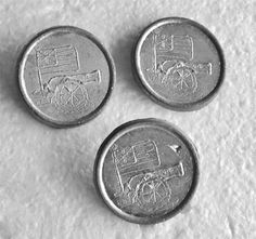(3) Vintage Metal Buttons Grand Union Flag & Revolutionary War Cannon Self Shank