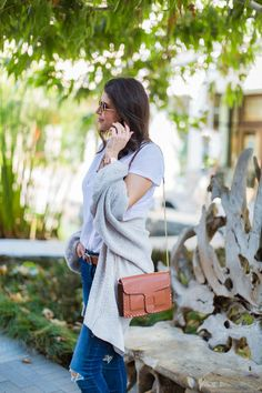 Sharing my Fall Fashion Essentials that every woman should have in her closet this season to stay cozy and stylish when she's on the go! Casual Styles, Fashion Essentials, Knit Cardigan, Travel Style, Jeggings, Vince Camuto, Lifestyle Blog, Autumn Fashion, Lily