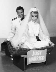 Still of Barbara Eden and Larry Hagman in I Dream of Jeannie (1965)