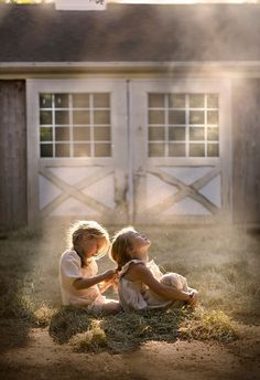 "hot day on the farm. by Elena Shumilova Photography "" Sibling Photography, Children Photography, The Farm, Little Girl Photos, Hot Days, Beautiful Children, Belle Photo, Cute Kids, The Dreamers"
