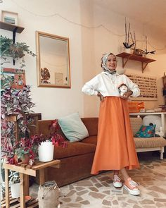Turuncu bir gün 🧡 Etek @talys Hijab Fashion Summer, My Style, How To Wear, Outfits, Women, Tall Clothing, Clothing, Style, Outfit Posts