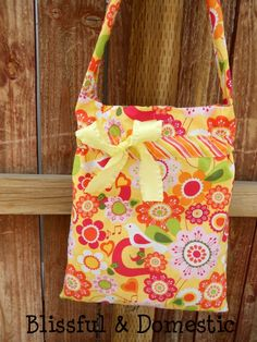 Tutorial, instructions, how to, basic and easy project, beginners, DIY, Bag, Tote, purse, messenger bag, bin, kid, girl, gift idea, fabric, see, craft, to do, idea,