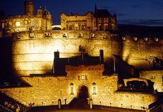 Edimburg Castle - Castelo de Edimburgo - Princes Street Garden (4).jpg (800×551)