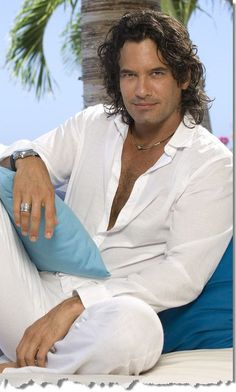 Mario Cimarro/Latin actor