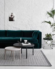 Currently crushing on this Hackney sofa by @wrongforhay upholstered by Danish…