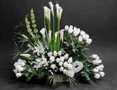 The Deeper Meaning Of Your Wedding Flowers Creative Flower Arrangements, Church Flower Arrangements, Altar Flowers, Silk Floral Arrangements, Church Flowers, Beautiful Flower Arrangements, Funeral Flowers, Table Flowers, Floral Bouquets