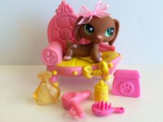 Littlest Pet Shop RARE Brown/Pink Dachshund #556 w/Chaise & Accessories #Hasbro