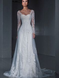What a beautiful wedding dress!!!
