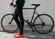 Footwear designer Tracey Neuls teamed up with Tokyobike to create handmade shoes with rubber soles and reflective strips especially for cycling.