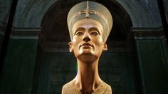 Ein britischer Ägyptologe hält die Fachwelt in Atem. Er sieht Indizien, dass hinter dem Grab Tutanchamuns die Gruft der Königin ist.