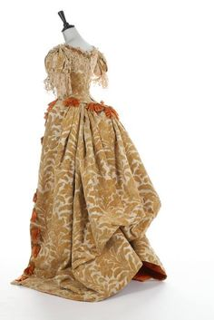 Ball gown, byHouse@Worth, ca.1885-1888 Rare Charles Frederick Worth historically-inspired voided velvet ball gown.Elements seek 2 find @Worth dress - fabulous tex tiles combined w/historicism &high fashion. Produced lavish 17th cent.inspired evening gowns thru out illus trious career.Provenance: Doña Emilia Crooke y Larios, Marquesa de Castrillo (1859-1923);portrait painted by Raimundo de Madrazo. Painting shown@Paris Exposition1889.Married Marquesa@Castrillo@ Madrid 1880.