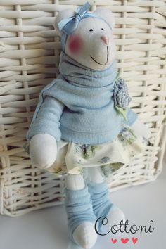 Blue velvet teddy bear www.annaporeda.blogspot.com