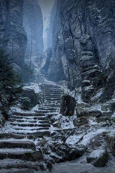 Emperor�s Corridor, Prachov Rocks, Czech Republic