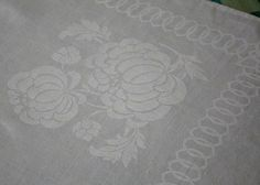 Vintage Antique Damask Linen Tablecloth Cabbage Chrysanthemums & Border 70 x 70
