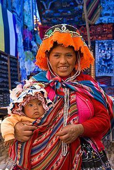 Cusqueña  y  su bebe  Perú