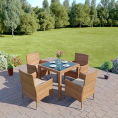 Great for indoor and outdoor dining on this new in demand colour light brown dining table set with high gloss black table top 4 x chairs 1 x table Outdoor Dining Set, Dining Table, Outdoor Decor, Rattan Garden Furniture, Outdoor Furniture Sets, Corner Dining Set, Black Table, Garden Table, Light Colors