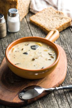 Cream of mushroom soup. by jirkaejc on PhotoDune. Cream of mushroom soup in bowl on old wooden table. Creamed Mushrooms, Stuffed Mushrooms, Lunch Room, Mushroom Soup, Keto Diet For Beginners, Keto Snacks, Homemade Christmas, High Tea, Soup Recipes