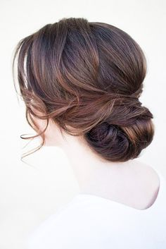 30 Beautiful And Simple Wedding Hairstyles ❤ See more: http://www.weddingforward.com/simple-wedding-hairstyles/ #wedding #hairstyles