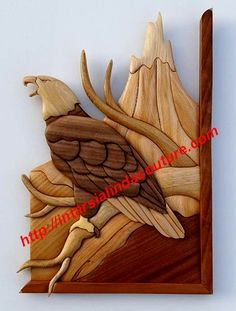 Pygargue en montagne Wooden Crosses, Wooden Art, Wooden Crafts, Intarsia Woodworking, Woodworking Patterns, Woodworking Projects, Intarsia Wood Patterns, Wood Carving Patterns, Whittling Wood