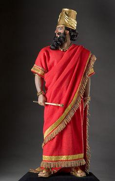 Traje real, vestido babilónico