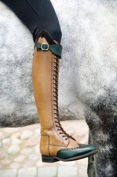 loving the color combo on these laced riding boots Stivali Da Cavallo b9c68352b67