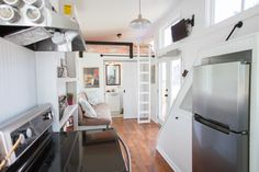 The Pretty Music City Tiny House by Tennessee Tiny Homes This pretty, little tiny house on wheels is by Tennessee Tiny Homes of Nashville, Tennessee. Tiny House Swoon, Tiny House Living, Tiny House Plans, Tiny House On Wheels, Tiny House Design, Tiny House Nation, Tiny Cabins, Tiny House Bathroom, Tiny House Movement