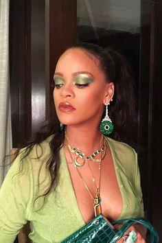 Rihanna Looks, Rihanna Riri, Rihanna Style, Rihanna Dress, Makeup Inspo, Makeup Inspiration, Beauty Makeup, Hair Makeup, Hair Beauty