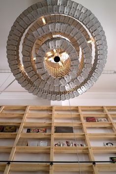 restaurant Can The Can, Lisbon (and that's a huge 'chandelier' made out of cans)