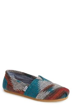 Red Blue Friday Wool TOMS