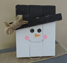 Wooden Snowman by TheCraftyNestCo on Etsy