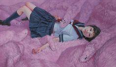 Kazuhiro Hori usa como protagonista la idea de la juventud frente a una falsa moralidad capaz de resaltar la belleza y pureza para finalmente romperla. Si te gusta su trabajo visita su instagram: https://www.instagram.com/chardinchardin/#arte #dibujo #ilustracion #pintura #imaginación #inspiracion #cretividad