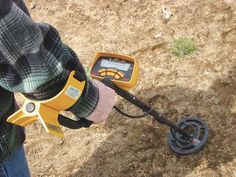 Cautions for Using Metal Detector, Kingdetector gives you some useful tips of operating metal detectors