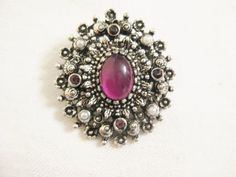 Hey, I found this really awesome Etsy listing at https://www.etsy.com/listing/201725529/vintage-brooch-pendant-sarah-coventry