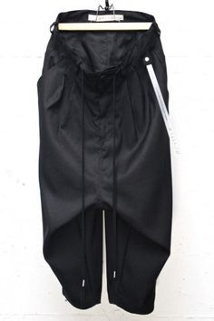 "N/07 ""MAUSK Detail"" Exclusive Three Dimensional Wide Tuck / Dart Cropped Pants #2 Black."