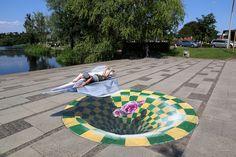 3D street art by chalk artist Leon Keer