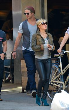 Chris Hemsworth Photos - Chris Hemsworth Shops With His Family - Zimbio