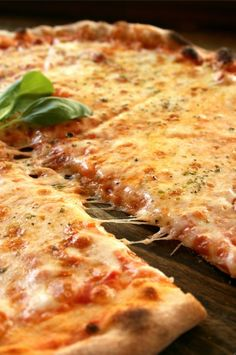 """This is something that can be called """"Pizza margherita con origano""""  This is a real Pizza!"""