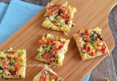 Super-fast mini-pizza Cover small squares of puff pastry with tomato, . Snacks Für Party, Pizza Snacks, Appetisers, Quick Recipes, Clean Eating Snacks, Appetizer Recipes, Mini Appetizers, Food Inspiration, Easy Meals