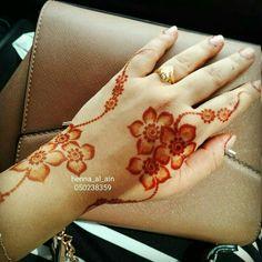 Simple and elegant Arabian Mehndi Design, Khafif Mehndi Design, Floral Henna Designs, Finger Henna Designs, Mehndi Designs 2018, Stylish Mehndi Designs, Mehndi Designs For Fingers, Mehndi Design Pictures, Henna Tattoo Designs