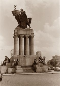 sp_div3_117.jpg (1159×1651) Avenida Tiradentes; monumento a Ramos de Azevedo março de 1953