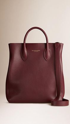 Deep burgundy The Carryall in Bonded Leather - Burberry