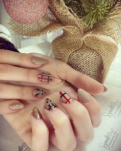 "𝓝𝓪𝓲𝓵𝓼 𝓫𝔂 𝓢𝔃𝓪𝓷𝓭𝓲 on Instagram: ""🎄✨🦌#karácsonyikörmök #köröm #christmasnails #baigenails #bézsköröm #nudeköröm #szarvasmintás #nails #nailstyle #nailstagram #nailsart…"" Nails, Beauty, Instagram, Finger Nails, Ongles, Beauty Illustration, Nail, Nail Manicure"