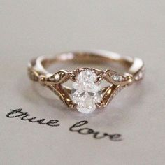 This is absolutely gorgeous. This would be the PERFECT ENGAGEMENT RING for me