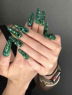 21 Charming And Sexy Winter Green Nails Acrylic: Don't Miss. Acrylic Nails Stiletto, Coffin Nails, Cute Nails, Pretty Nails, Hair And Nails, My Nails, Dark Nails, Long Nail Designs, Jelly Nails