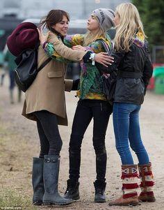 Glastonbury rocks with Alexa, Cara and Poppy wearing kilim boots! Get your pair on www.silviagattin.com! Poppy Delevingne, Festival Outfits, Festival Fashion, Festival Style, Katherine Jenkins, Alexa Chung Style, Sister Day, Millie Mackintosh, Caroline Flack