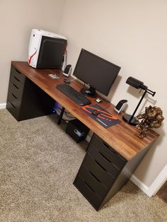 Only one monitor, no RGB, and no cable management, but she is all mine and used everyday. Computer Desk Design, Computer Gaming Room, Gaming Room Setup, Home Office Setup, Home Office Space, Home Office Desks, Best Pc Setup, Modern Mens Bedroom, Home Recording Studio Setup