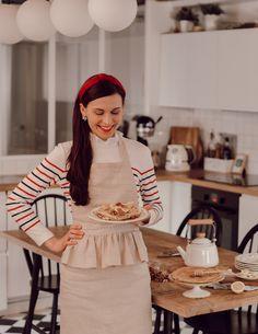 Ma recette de crêpes légères sans beurre et sans sucre au lait d'amande — Mode and The City Sweet Cooking, Winter Fashion, Women's Fashion, Apron, Farm House, Winter Style, Outfits, Drinks, Instagram