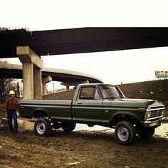 "1973 Ford Custom ""High Boy"" Have one lol 1979 Ford Truck, Old Ford Trucks, Old Pickup Trucks, Jeep 4x4, Ford 4x4, Classic Ford Trucks, Classic Cars, Cool Trucks, Big Trucks"