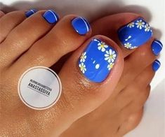 Try some of these designs and give your nails a quick makeover, gallery of unique nail art designs for any season. The best images and creative ideas for your nails. Simple Toe Nails, Pretty Toe Nails, Cute Toe Nails, Gel Nails, Nail Polish, Nail Nail, Nail Pink, Nail Art Blue, Acrylic Nails