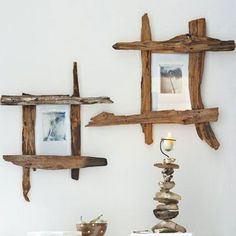 Nature can shape wood into wondrous shapes, and that's especially true for driftwood. Beachgoers often find branches twisted into remarkable convolutions. How you use driftwood for your beach home is . Read Clever Ways to Use Driftwood for Beach Decor Driftwood Frame, Driftwood Projects, Diy Projects, Driftwood Signs, Driftwood Wreath, Driftwood Ideas, Pallet Projects, Diy Casa, Diy Mirror